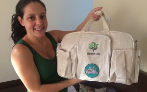 Sintibref-MG entrega Kit-Natalidade para representadas em diferentes cidades.